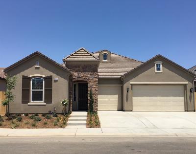 Clovis Single Family Home For Sale: 3253 Richmond Ave