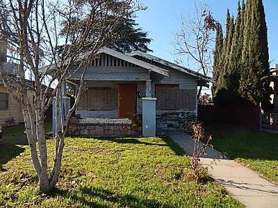 Single Family Home For Sale: 715 N Farris Avenue
