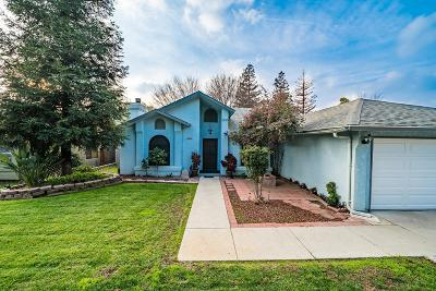 Reedley Single Family Home For Sale: 1545 River Bluff Drive