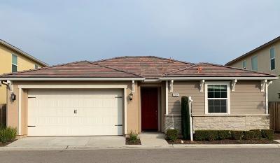 Clovis Single Family Home For Sale: 3531 Luminary Way