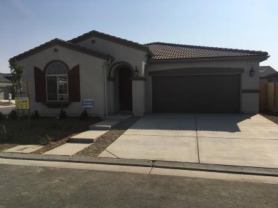 Clovis Single Family Home For Sale: 3840 Leigh Lane