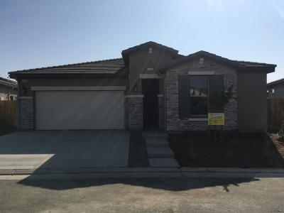 Clovis Single Family Home For Sale: 3830 Leigh Lane