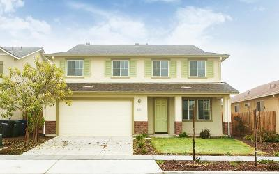 Hanford Single Family Home For Sale: 1177 Greenbrier Drive