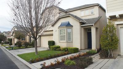 Clovis Single Family Home For Sale: 1727 Glen Oban Lane
