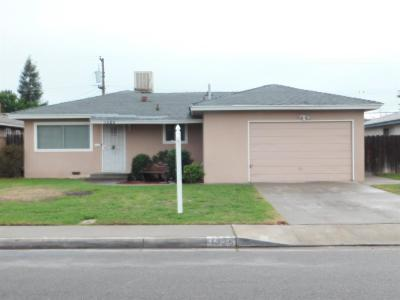 Clovis Single Family Home For Sale: 1325 Terry Avenue