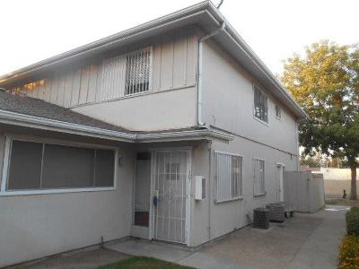 Fresno Condo/Townhouse For Sale: 4942 N Holt Avenue #101
