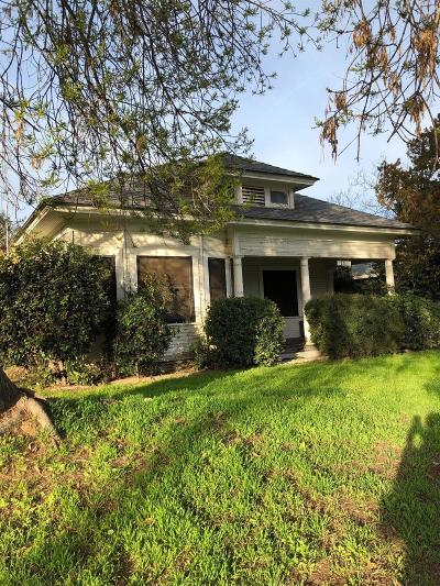 Fresno Single Family Home For Sale: 444 W Courtland Avenue