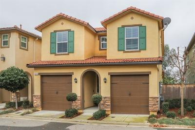 Clovis Single Family Home For Sale: 3676 Richmond Avenue