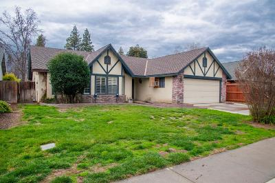 Visalia Single Family Home For Sale: 5806 W Crowley Avenue