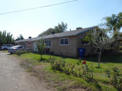 Reedley Multi Family Home For Sale: 841 E Springfield Avenue