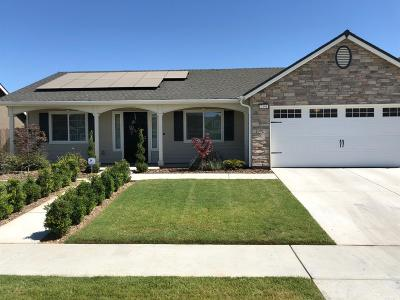 Tulare Single Family Home For Sale: 2358 Bell Port Ct. Court