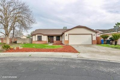 Hanford Single Family Home For Sale: 2127 Oakwood