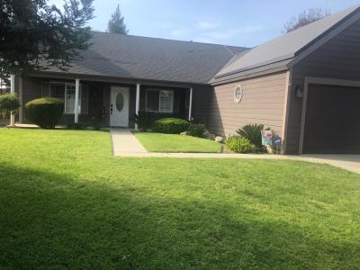 Clovis Single Family Home For Sale: 1012 N Adler Avenue