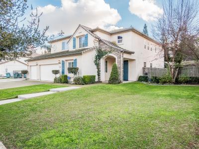 Visalia Single Family Home For Sale: 3341 W Taylor Avenue