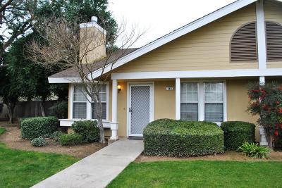 Fresno Condo/Townhouse For Sale: 3770 W Barstow Avenue #140