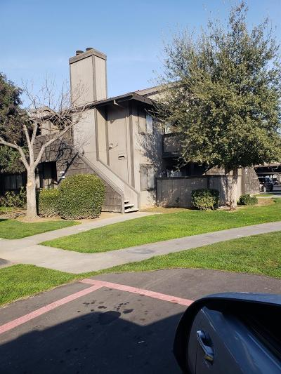 Fresno Condo/Townhouse For Sale: 1190 S Winery Avenue #255
