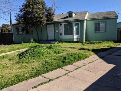 Fresno Single Family Home For Sale: 210 E Sussex Way