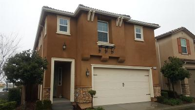 Clovis Single Family Home For Sale: 1508 N Rendezvous Way