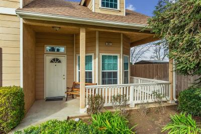 Clovis Single Family Home For Sale: 642 N Burl Avenue