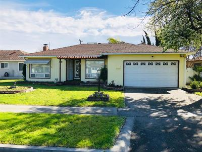 Fresno Single Family Home For Sale: 3004 N Wolters Avenue