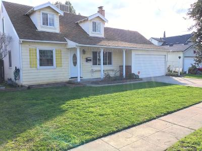 Fresno Single Family Home For Sale: 2332 E Fairmont Avenue