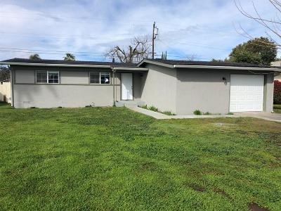 Clovis Single Family Home For Sale: 1426 Cherry Lane