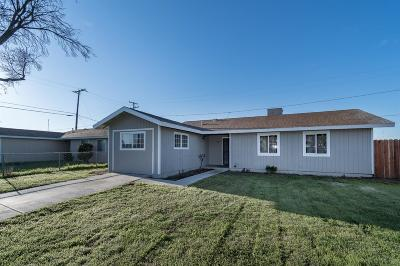 Hanford Single Family Home For Sale: 9599 Garden Drive