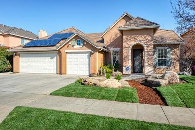 Clovis Single Family Home For Sale: 3239 Rialto Avenue
