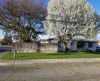 Kingsburg Single Family Home For Sale: 701 Nevada Street