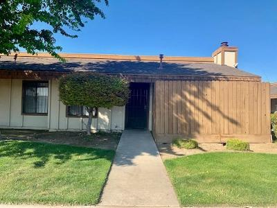 Fresno Condo/Townhouse For Sale: 5181 E Olive Avenue