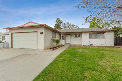 Clovis Single Family Home For Sale: 2938 Villa Avenue