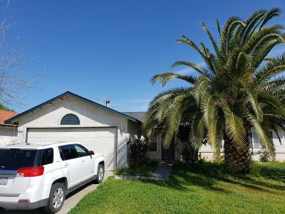 Madera Single Family Home For Sale: 311 Madrid Lane