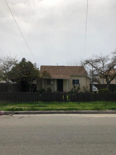 Madera Single Family Home For Sale: 232 Vineyard
