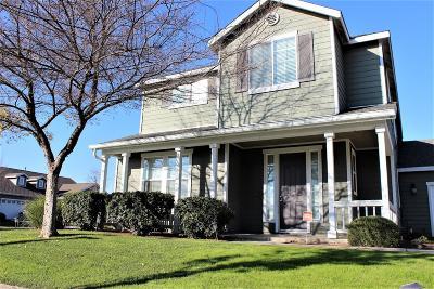 Reedley Single Family Home For Sale: 370 E Abbott Avenue