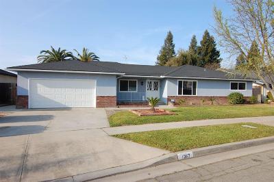 Single Family Home For Sale: 1267 E Los Altos Avenue