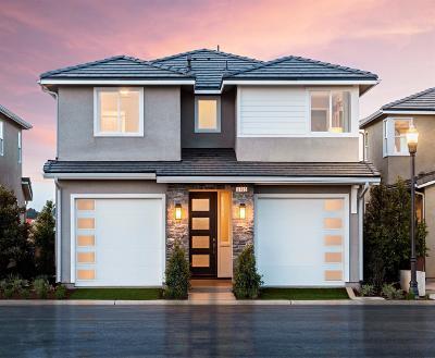 Clovis Single Family Home For Sale: 3630 Parkstone Lot 32 Way