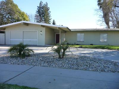 Single Family Home For Sale: 503 W Bullard Avenue