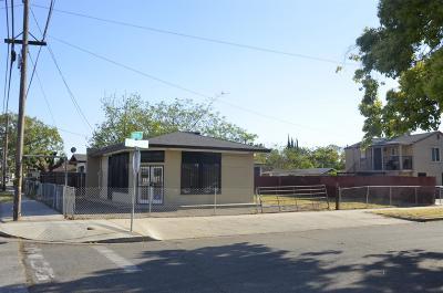 Single Family Home For Sale: 2426 E Hedges Avenue