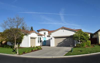 Clovis Single Family Home For Sale: 10557 E Monterey Bay