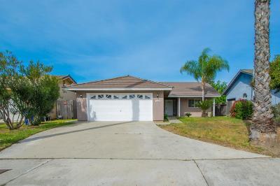 Kingsburg CA Single Family Home For Sale: $249,900