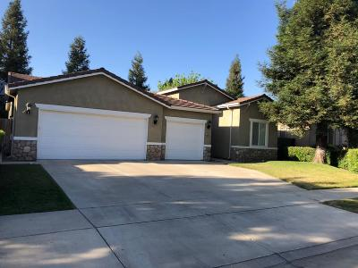Visalia Single Family Home For Sale: 4204 W Elowin Court