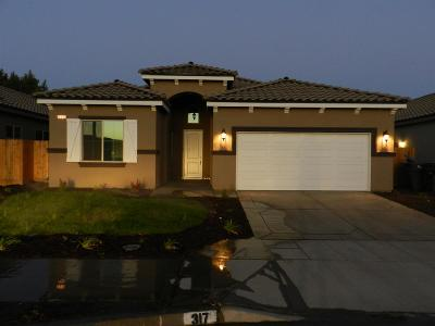 Madera Single Family Home For Sale: 24 St. Julien Drive