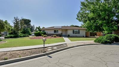 Single Family Home For Sale: 2810 E Los Altos Avenue