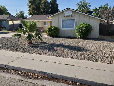 Single Family Home For Sale: 3232 E Ashlan Avenue