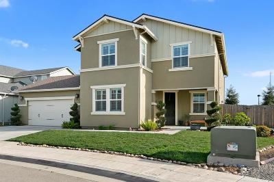 Fresno CA Single Family Home For Sale: $410,000