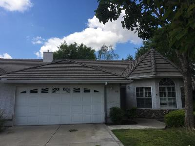 Kingsburg CA Single Family Home For Sale: $297,000