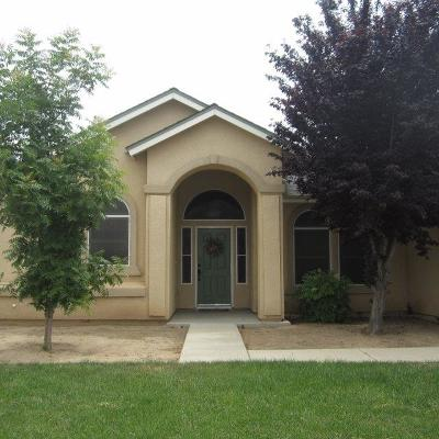 Dinuba Single Family Home For Sale: 648 Vernazza Avenue
