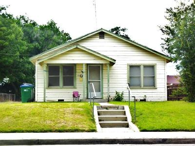 Selma CA Single Family Home For Sale: $145,000