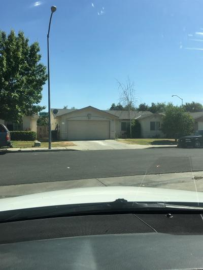Single Family Home For Sale: 5415 W Pico Avenue