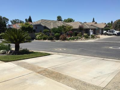 Madera Single Family Home For Sale: 136 Freedom Way